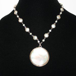 Stunning silver pearl and mother of pearl necklace